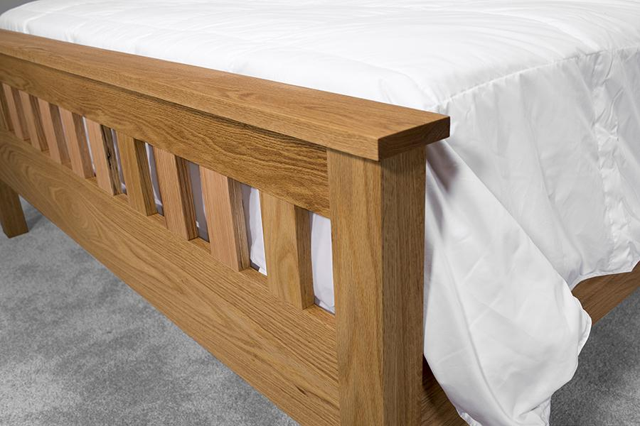 classic-craftsman-style-queen-bed-02