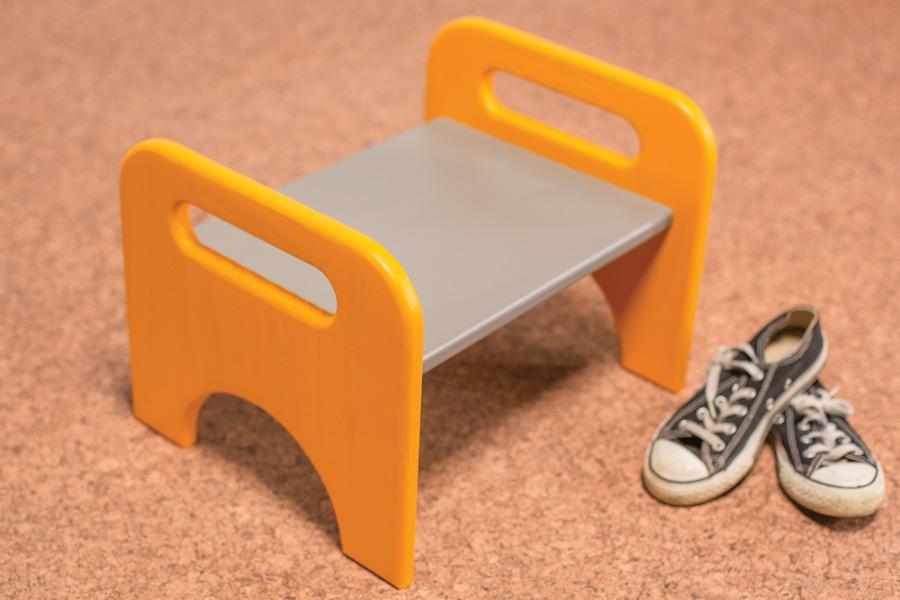kids-stool-pic-3