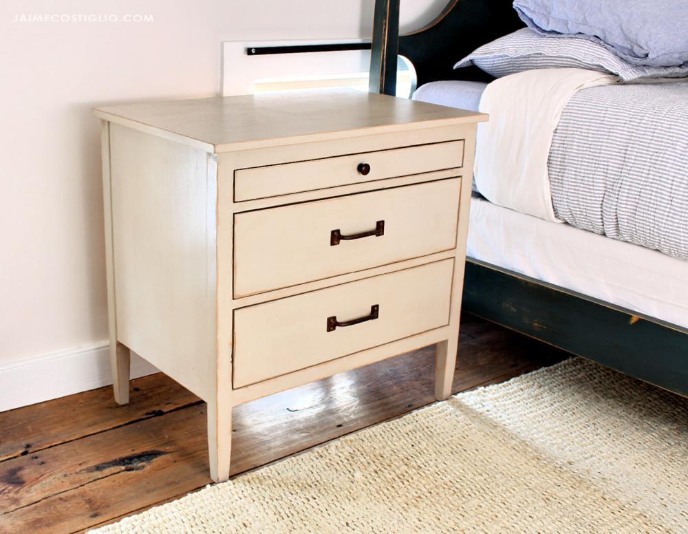3-drawer-nightstand-3