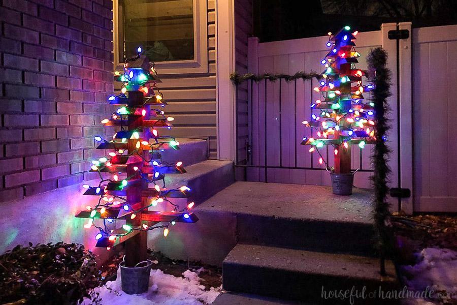 2x4-christmas-trees-buildsomething-13