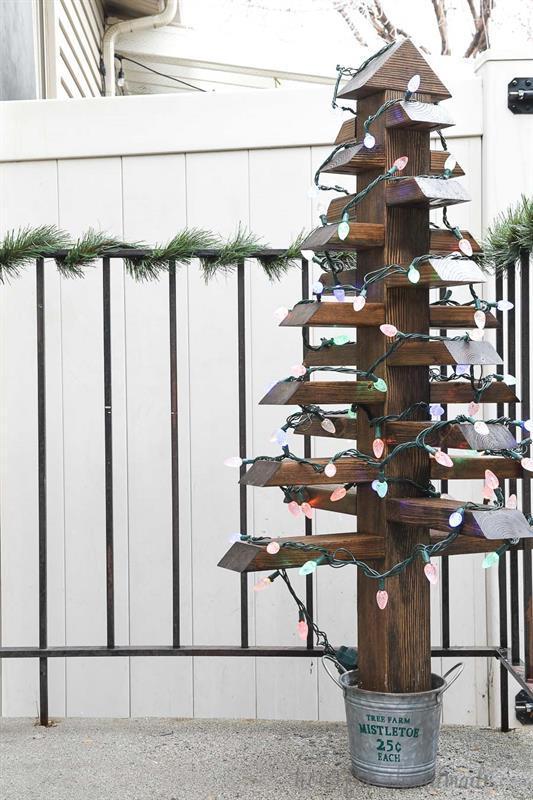 2x4-christmas-trees-buildsomething-3