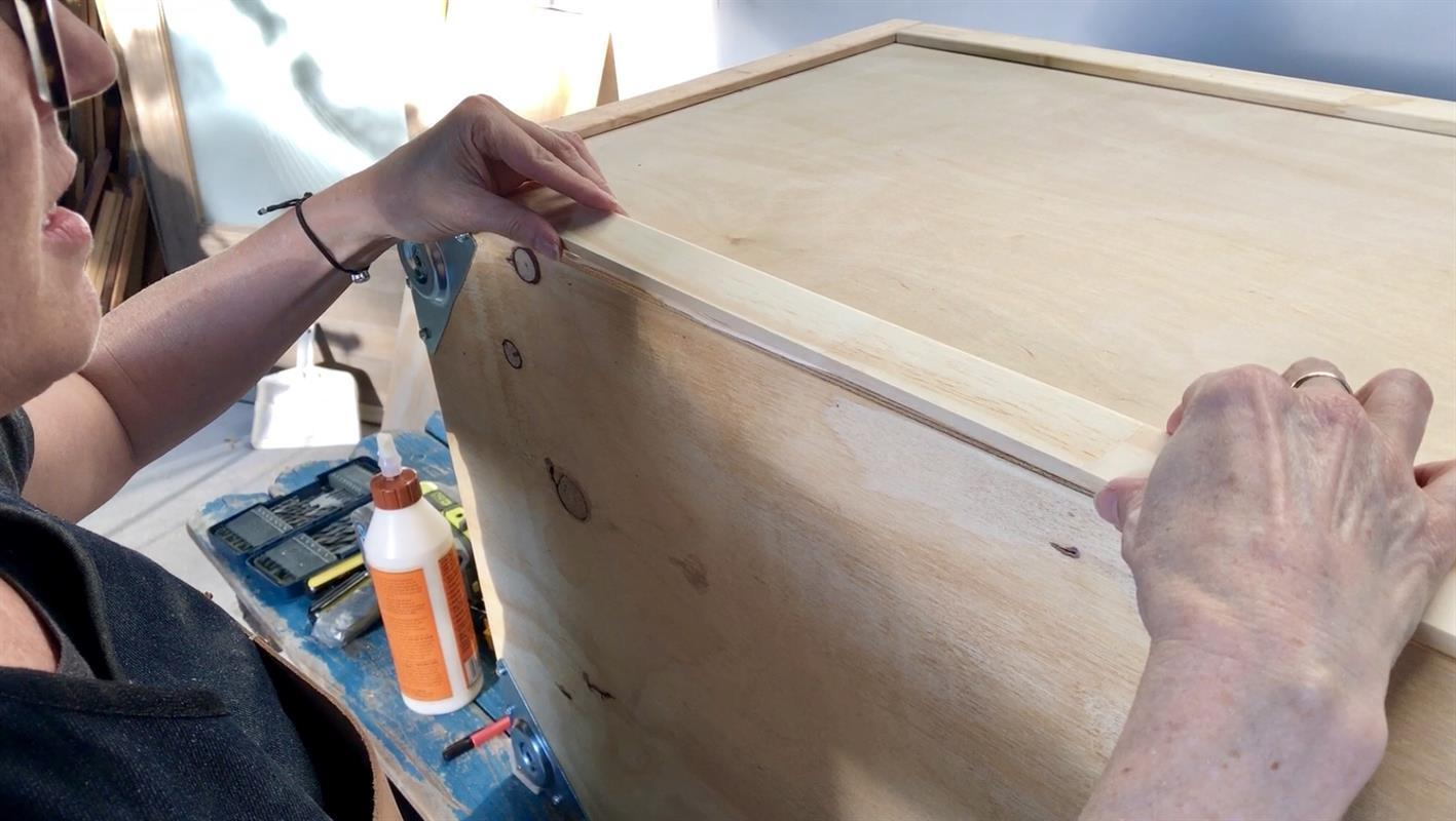 5a-glue-and-place-flat-moulding