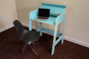 Simple Desk with Style – Metric