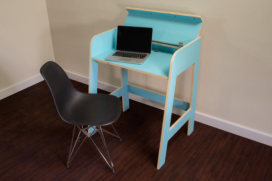 compact-desk-pic-1-2