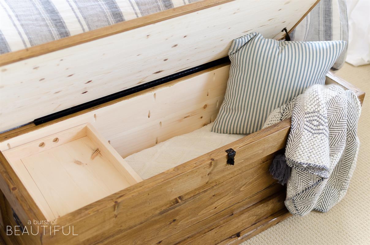 diy-blanket-storage-chest-1174