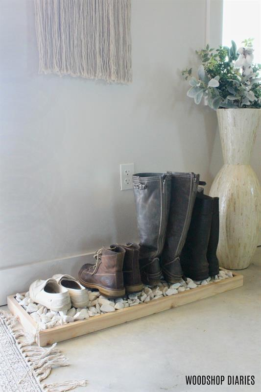 diy-boot-tray-with-decorative-rocks
