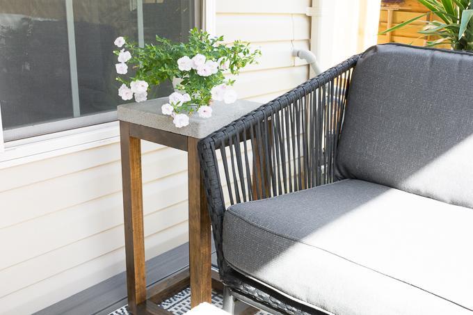 diy-concrete-paver-side-table-11