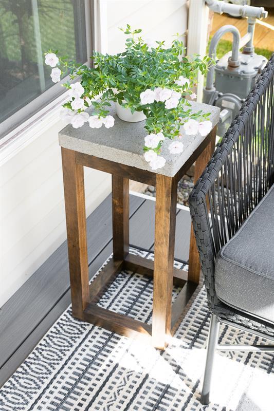 diy-concrete-paver-side-table-12