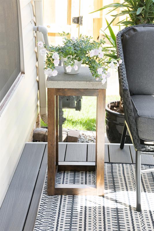 diy-concrete-paver-side-table-13
