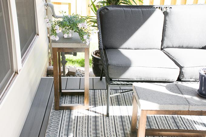 diy-concrete-paver-side-table-15