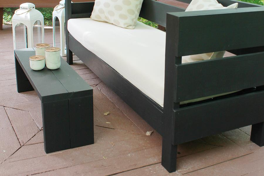 diy-outdoor-bench-and-coffee-table