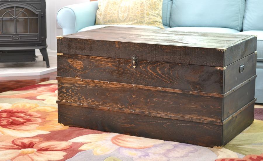 diy-trunk-coffee-table