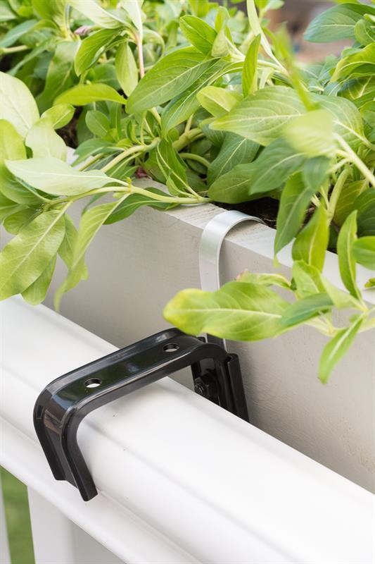 deck-railing-planter-box-2