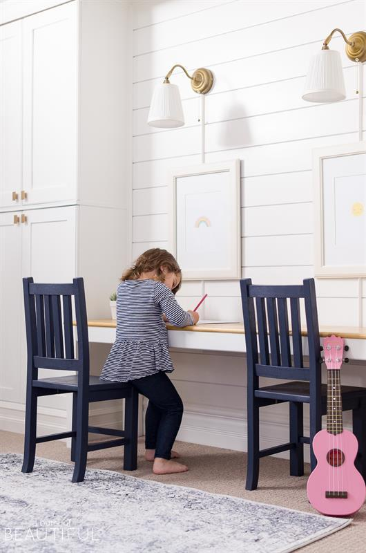 kid-sized-play-table-7671