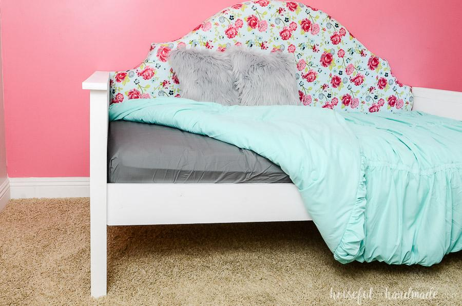 kreg-upholstered-daybed-1