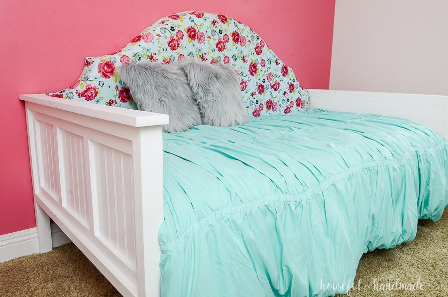 kreg-upholstered-daybed-2