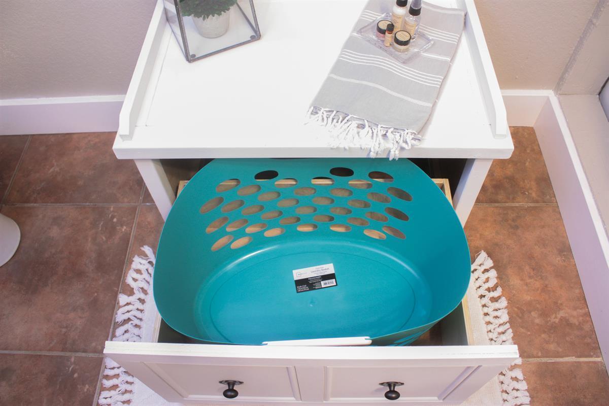 laundry-hamper-bench-1-of-1