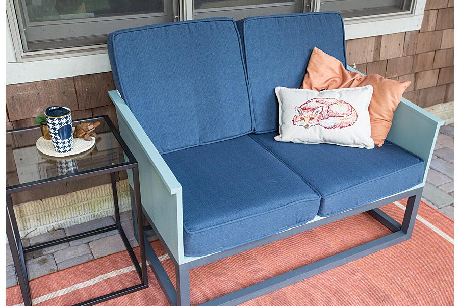 loveseat-with-cushions-pic-1