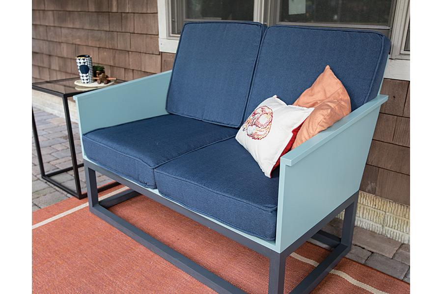 loveseat-with-cushions-pic-2