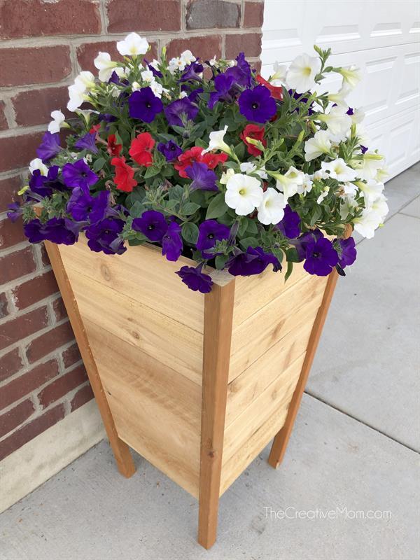 modern-cedar-planter-box