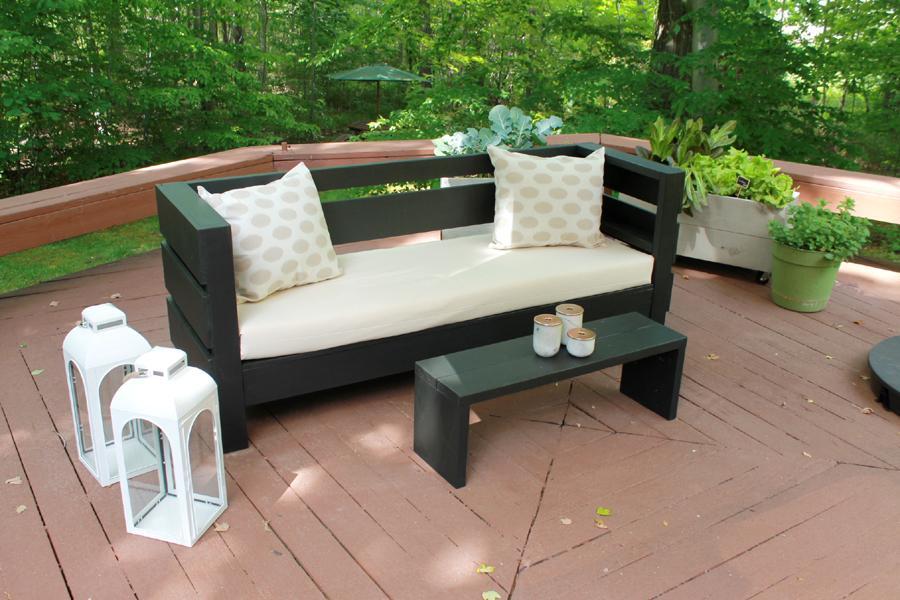 modern-outdoor-diy-sofa