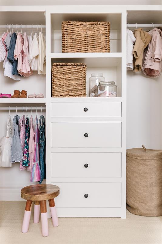 nursery-closet-1558