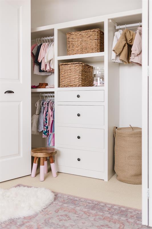 nursery-closet-1570