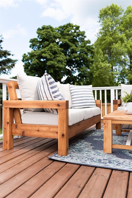 outdoor-furniture-3860