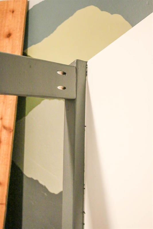pocket-hole-joinery-on-diy-cabin-bed-that-looks-like-house