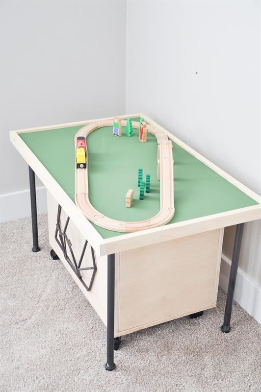 space-saving-train-table-9