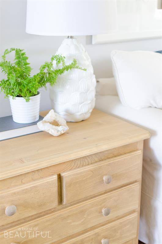 vintage-inspired-pine-side-table-4452