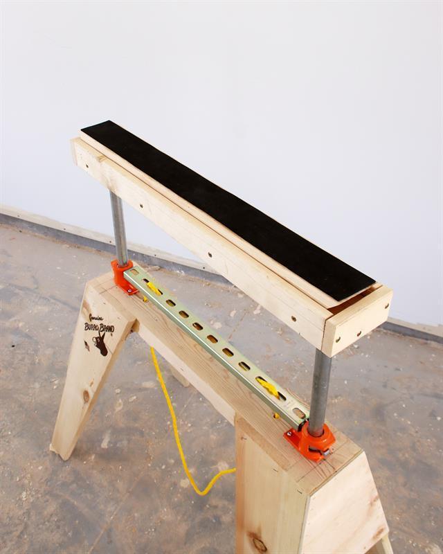 adjustable-sawhorse-rollers-slides-4