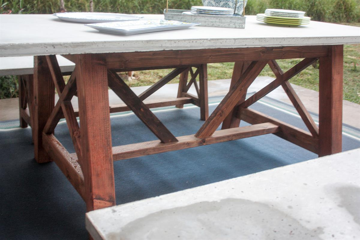 concrete-dining-table1-1-of-1