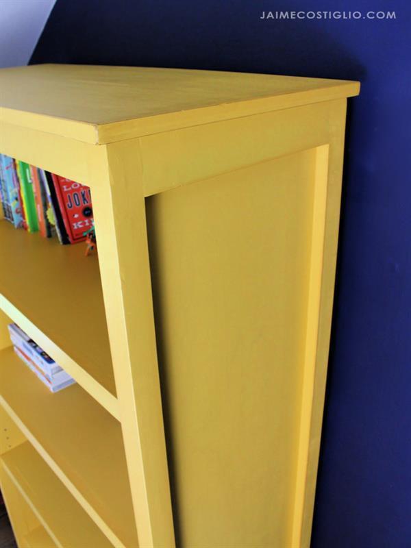 cottage-bookshelf-13