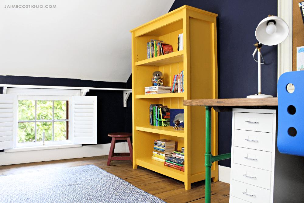 cottage-bookshelf-5
