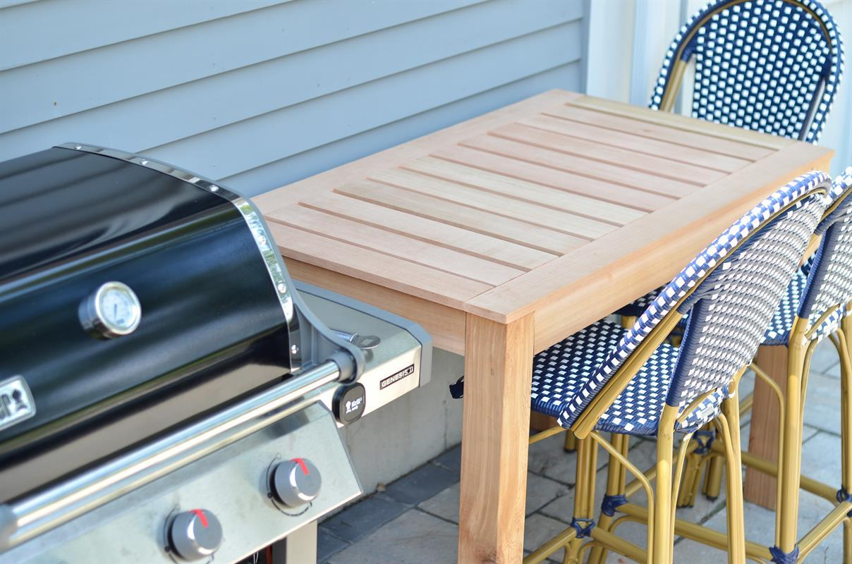 diy-outdoor-bar-table-16