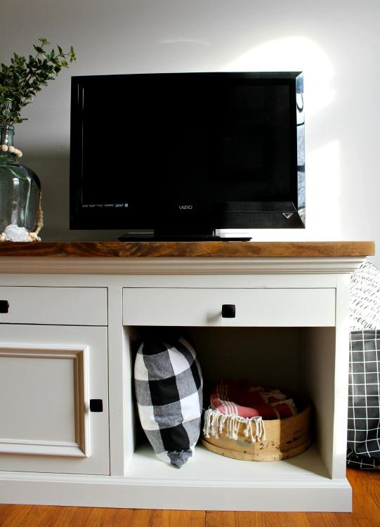 diy-tv-stand-vertical