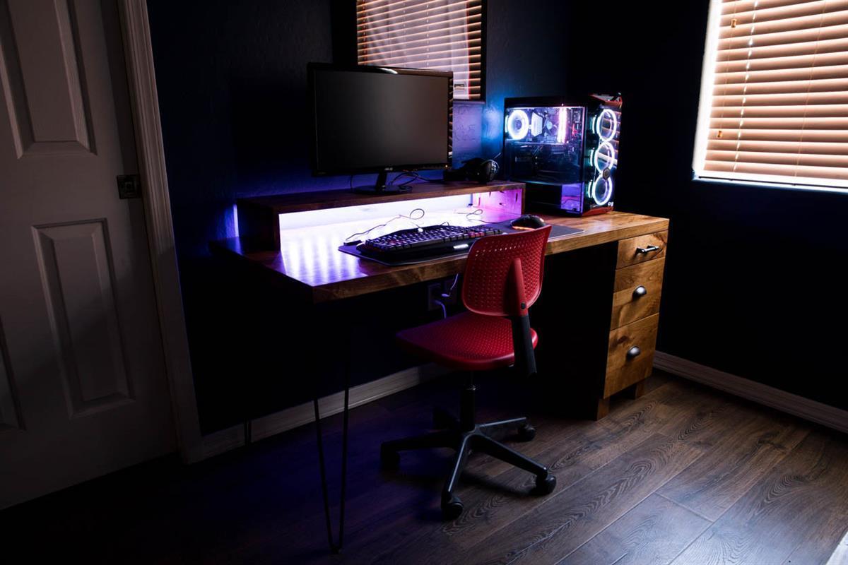 gaming-computer-desk-3654