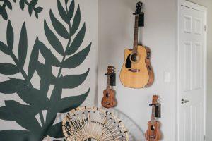 Wall Mount Guitar Holder