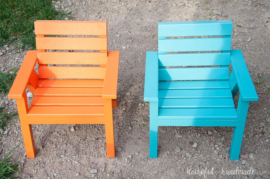 kids-slatted-outdoor-chairs-2