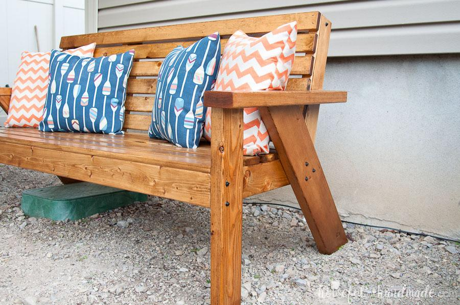 slatted-outdoor-sofa-1