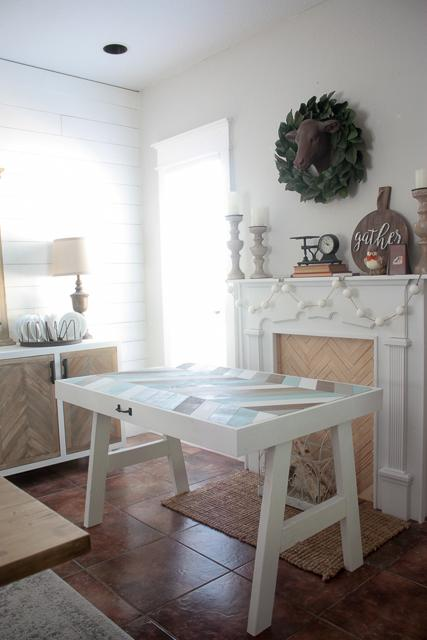 spare-table-doubls-as-wall-art4-1-of-1