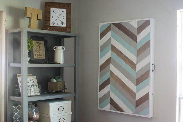 spare-table-doubls-as-wall-art9-1-of-1
