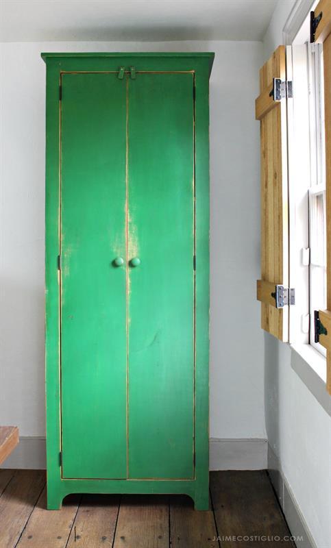 tall-cupboard-2