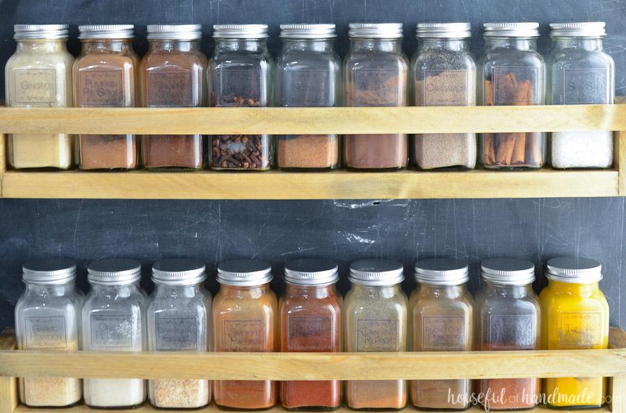 wall-mounted-spice-rack-3