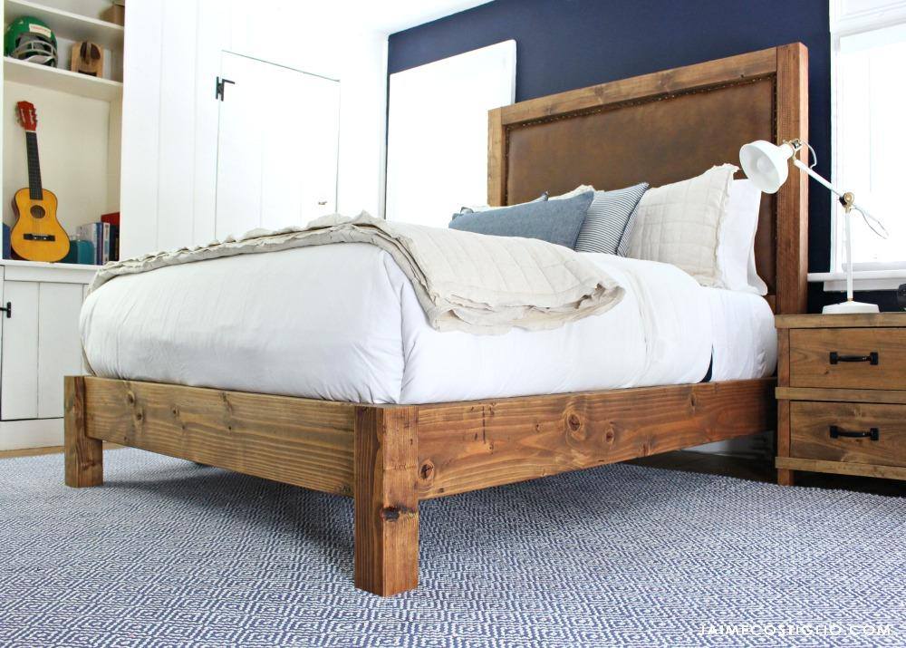 wood-and-leather-bed-3