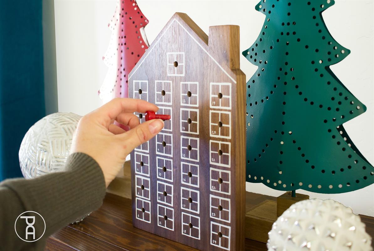 wood-peg-easy-diy-advent-calendar-wm