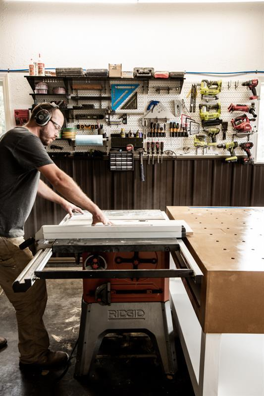 workbench-out-feed-table
