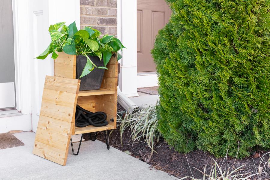 porch-planter-hose-storage-2